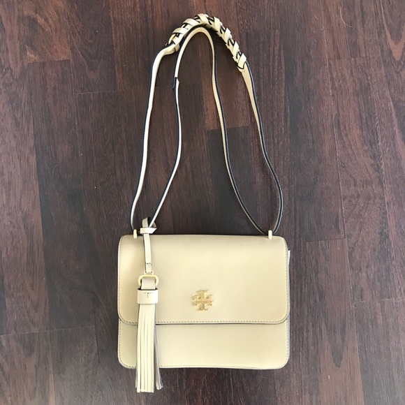dbf73cf5e1a18 Tory Burch Brooke Shoulder Bag